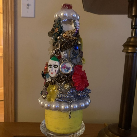 True Junkdrawer Tree Decoration